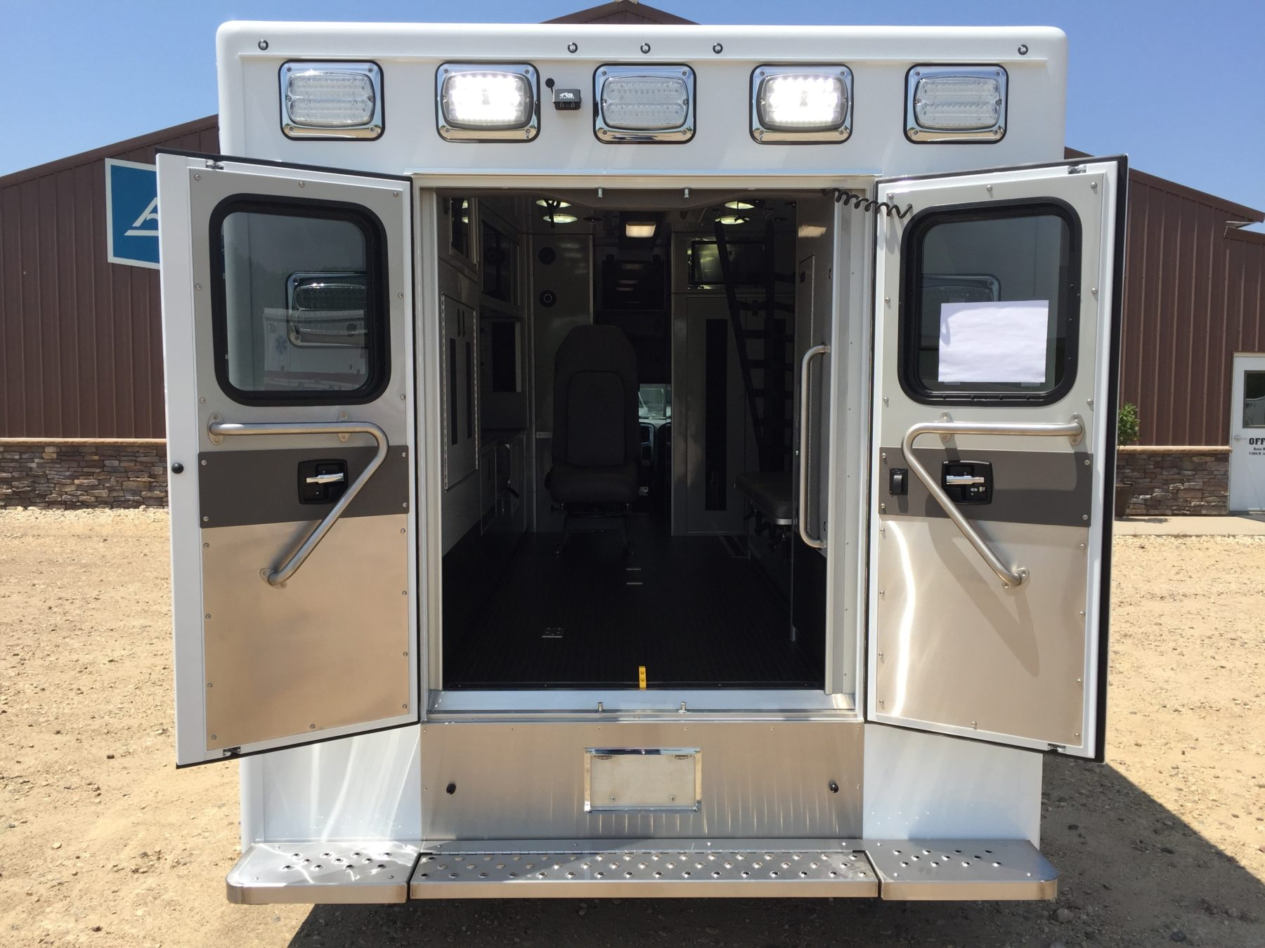 2017 Ram 4500 4x4 Heavy Duty Ambulance For Sale – Picture 9