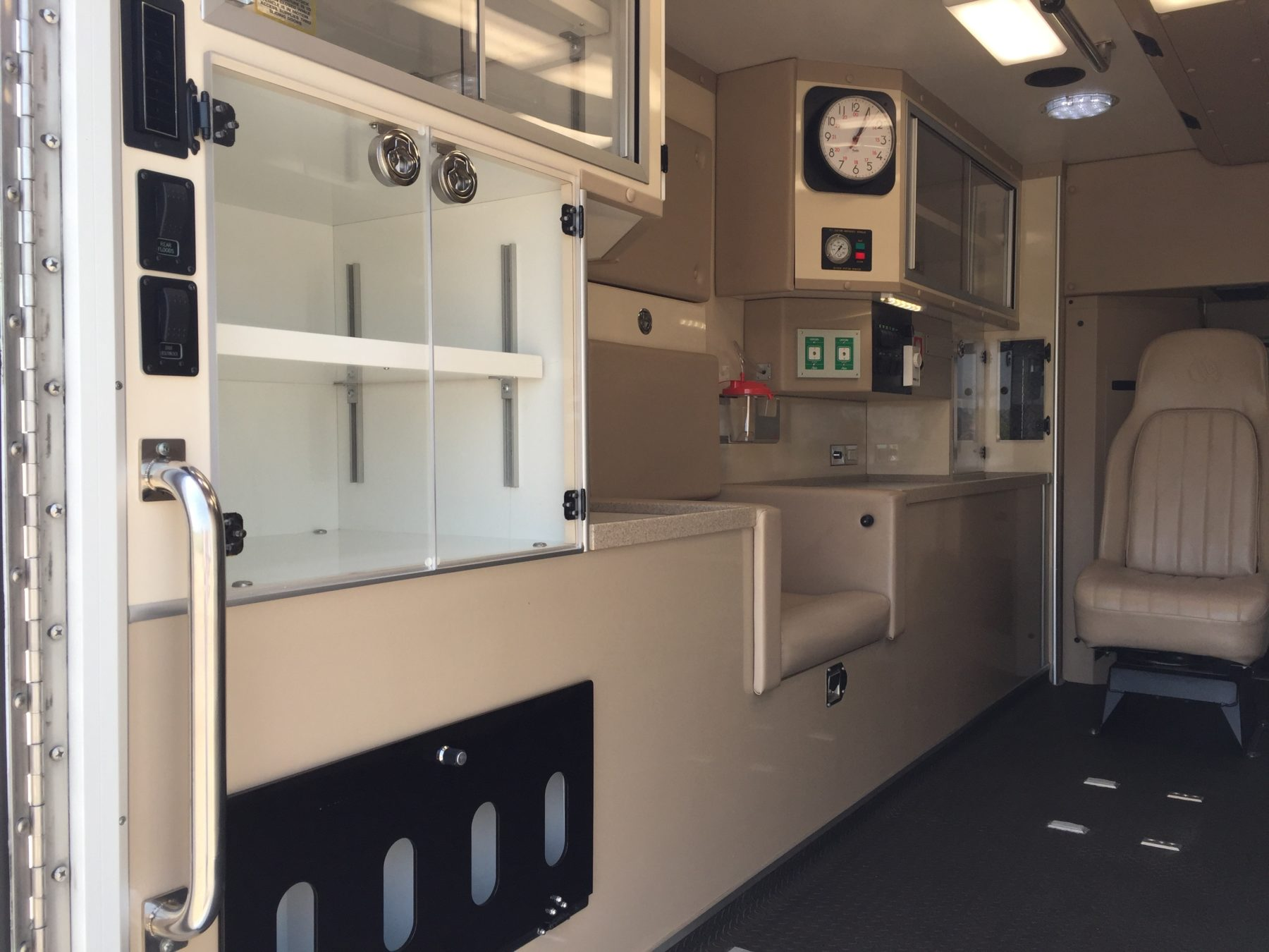 2009 Chevrolet G4500 Type 3 Ambulance For Sale – Picture 12