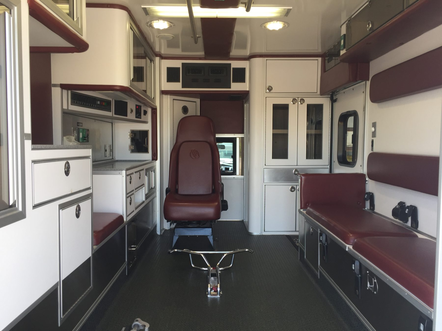 2009 Dodge 4500 Heavy Duty Ambulance For Sale – Picture 2