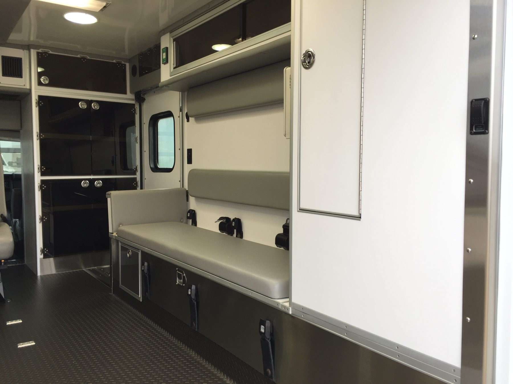 2016 Chevrolet G4500 Type 3 Ambulance For Sale – Picture 9