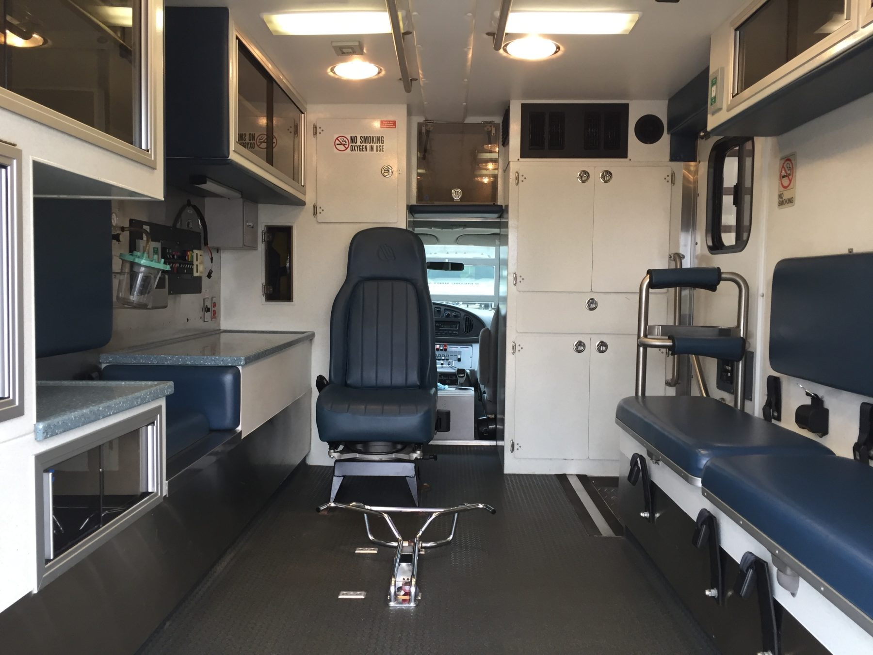 2003 Ford E450 Type 3 Ambulance For Sale – Picture 2