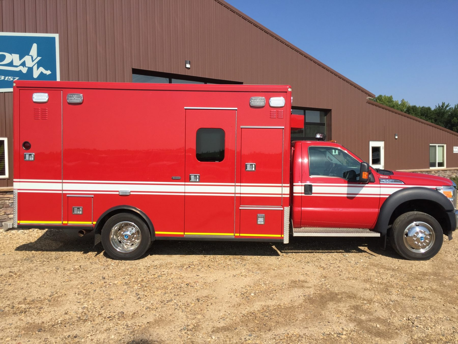 2012 Ford F550 4x4 Heavy Duty Ambulance For Sale – Picture 4