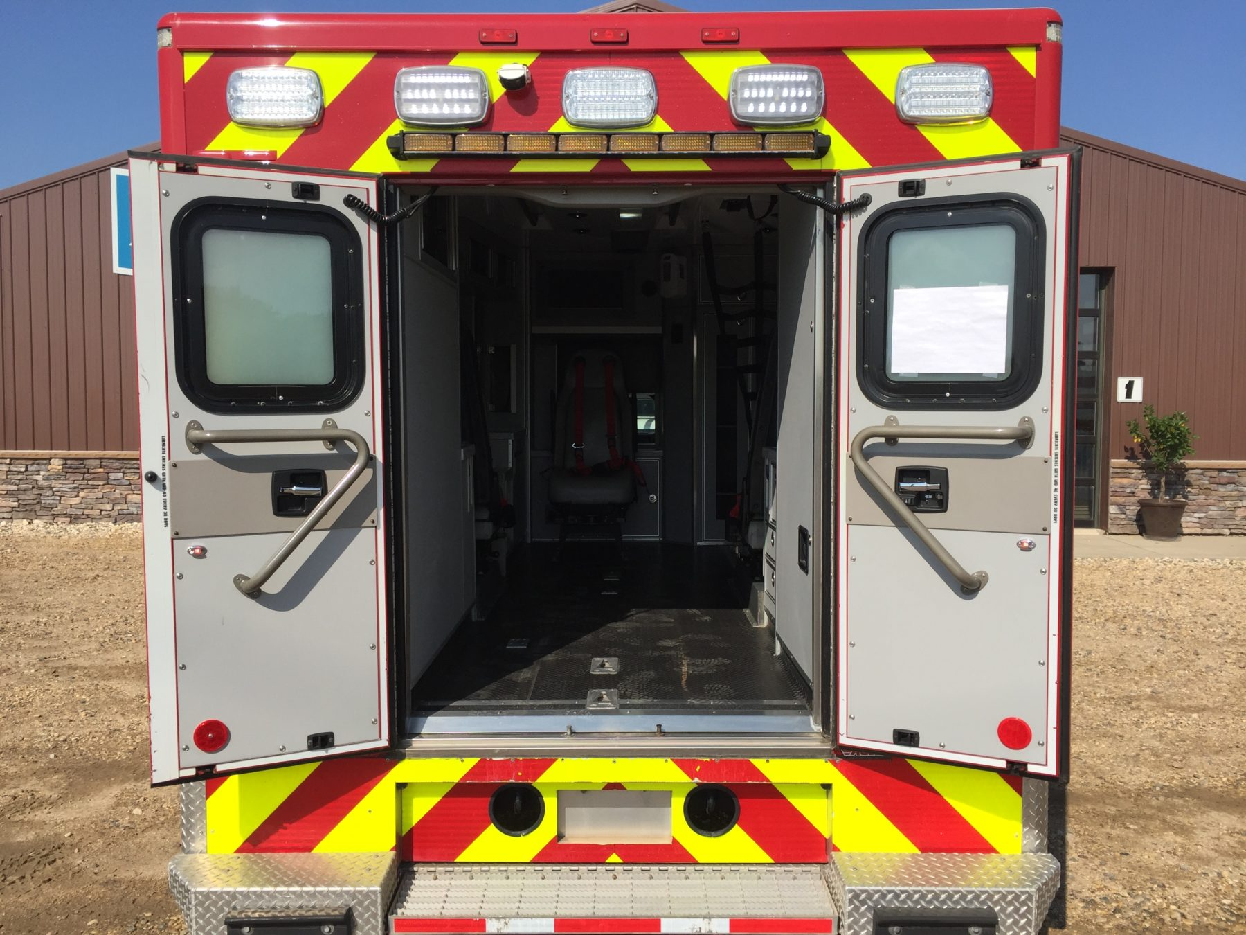 2012 Ford F550 4x4 Heavy Duty Ambulance For Sale – Picture 9