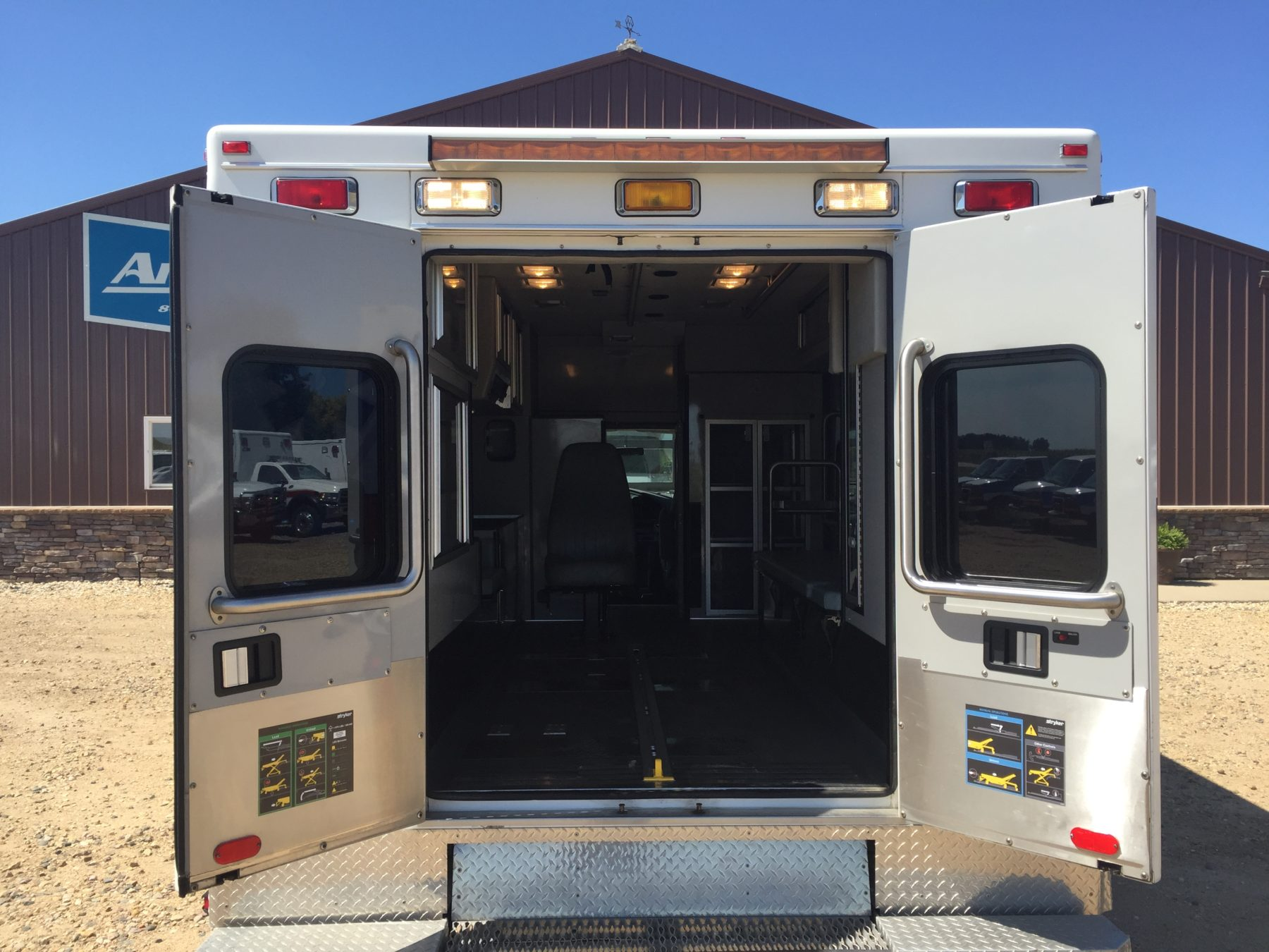 1999 Ford E450 Type 3 Ambulance For Sale – Picture 9