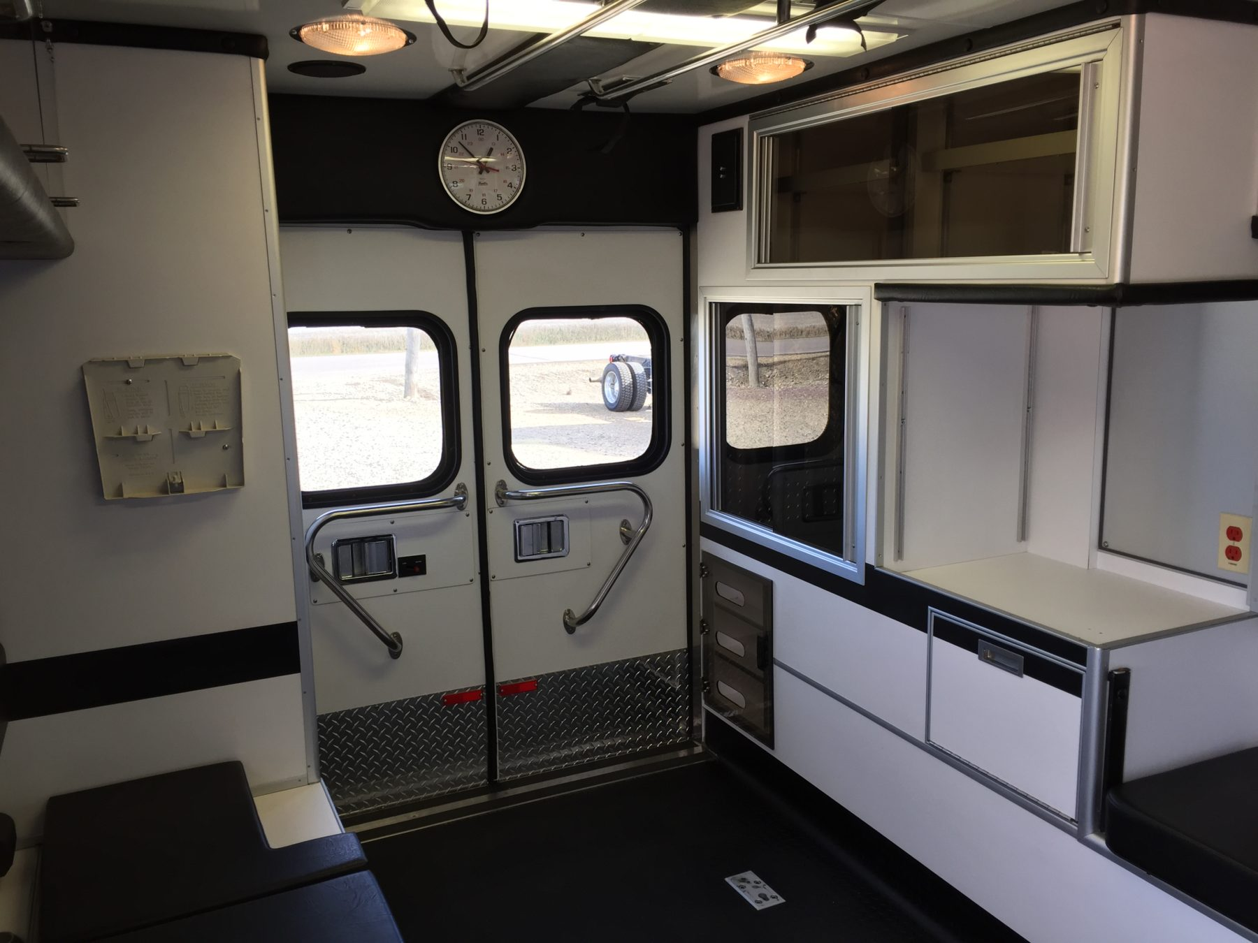 2003 Ford E450 Type 3 Ambulance For Sale – Picture 10