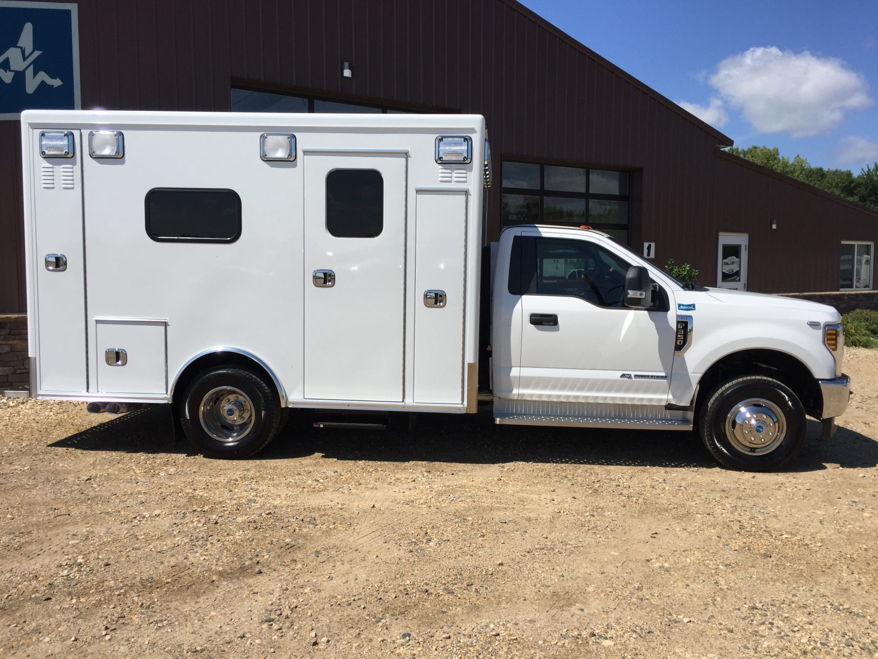 2018 Ford F350 4x4 Type 1 Ambulance For Sale – Picture 4