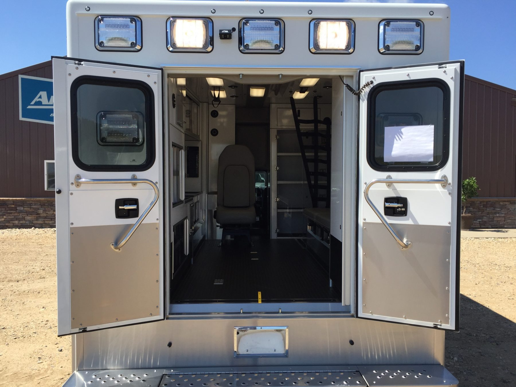 2018 Ford F350 4x4 Type 1 Ambulance For Sale – Picture 9
