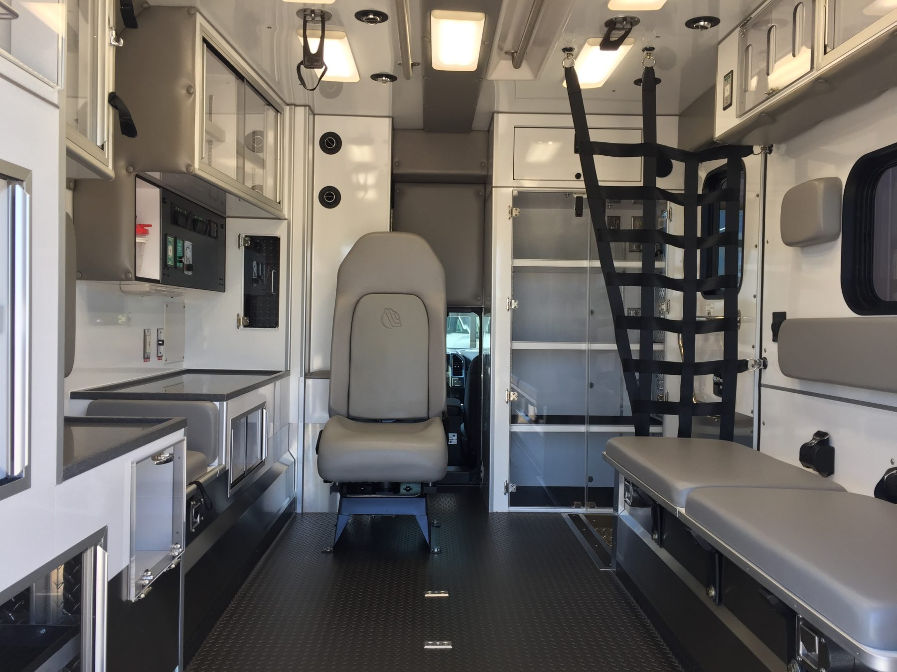 2018 Ford F350 4x4 Type 1 Ambulance For Sale – Picture 2