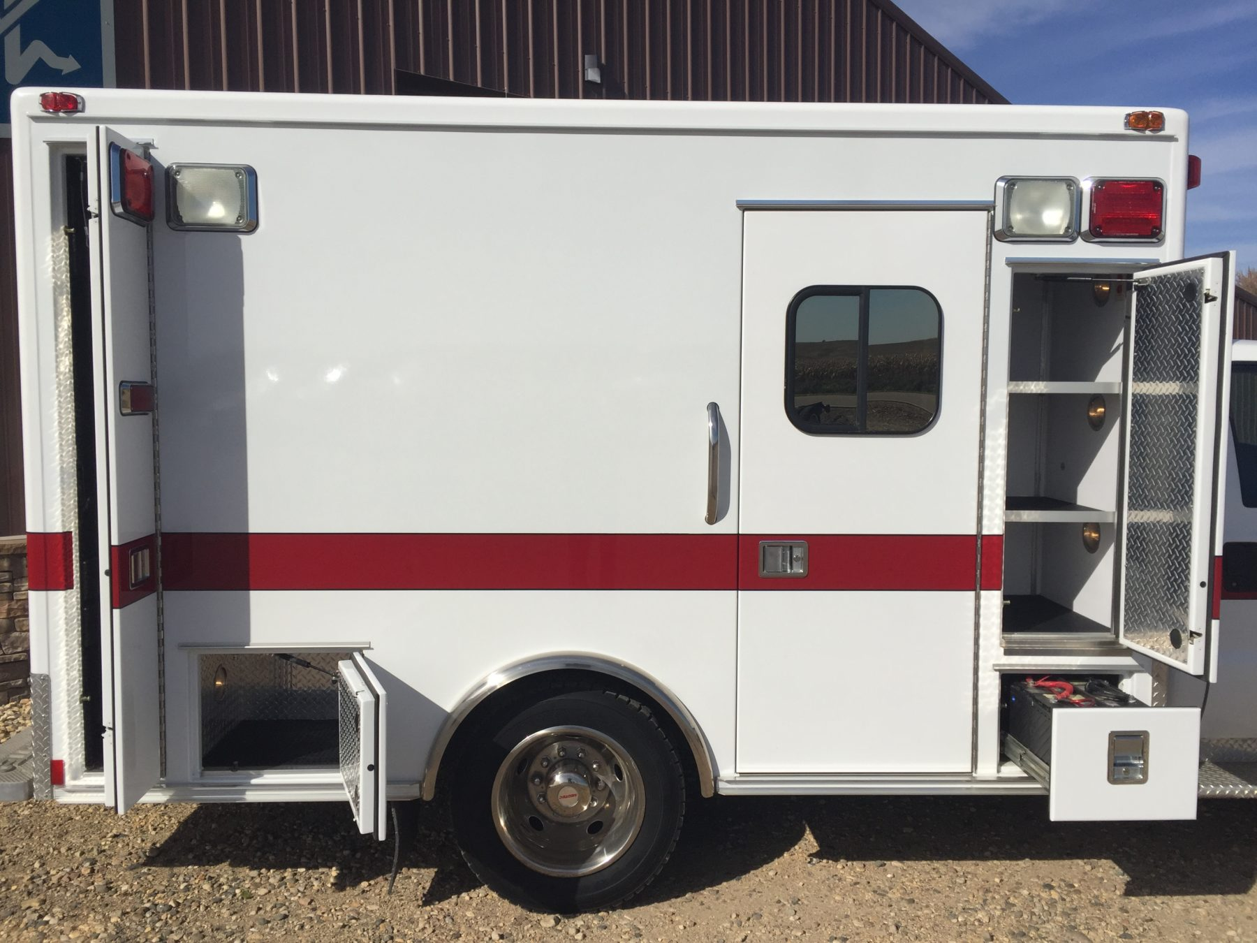 2006 Ford F450 4x4 Heavy Duty Ambulance For Sale – Picture 5