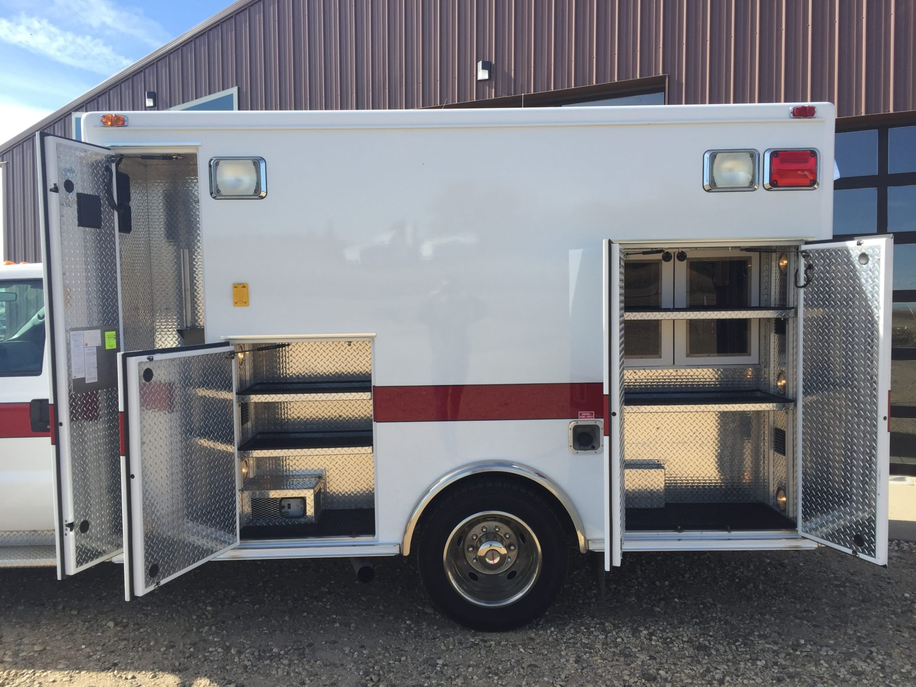 2006 Ford F450 4x4 Heavy Duty Ambulance For Sale – Picture 8