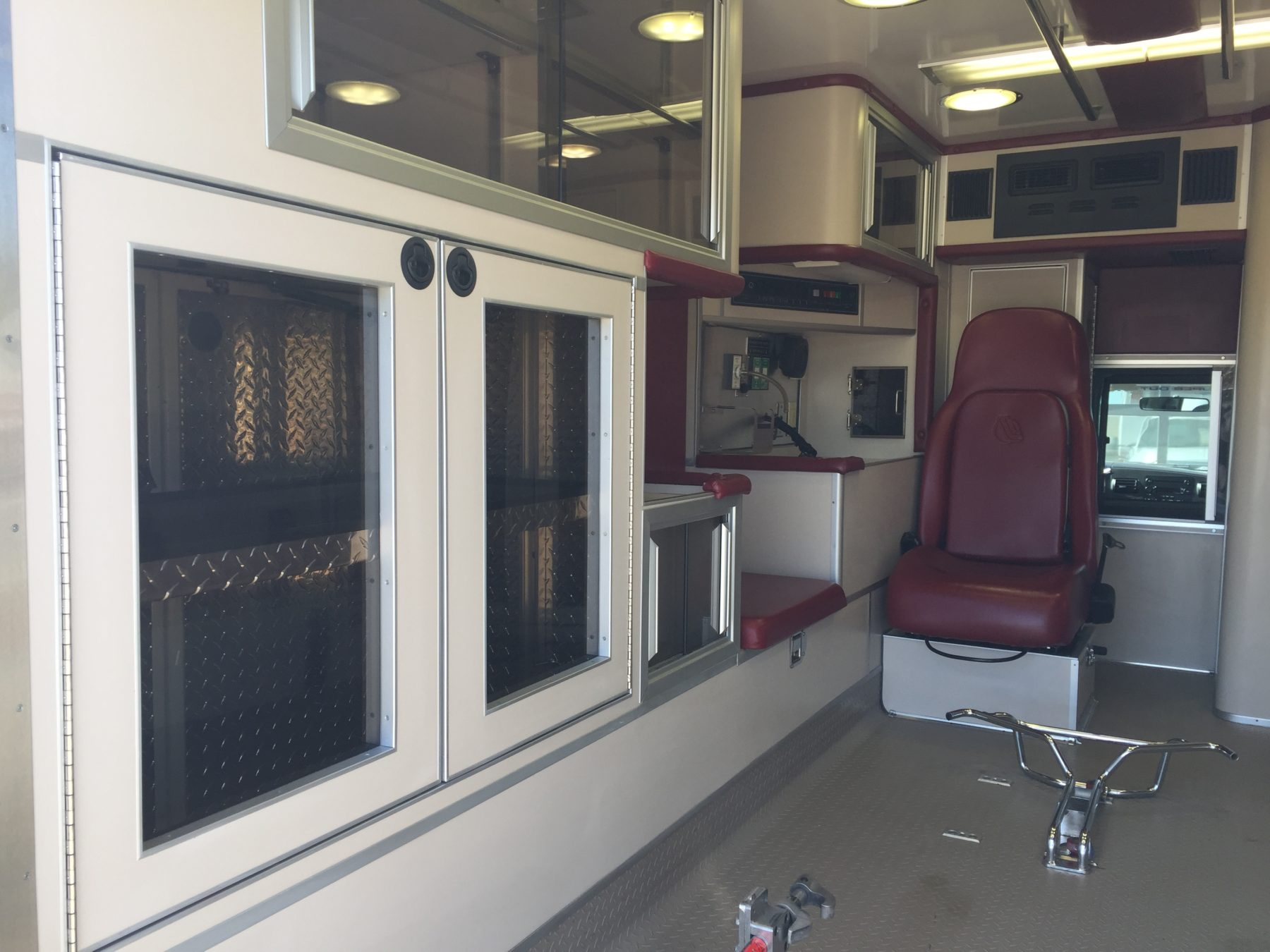 2006 Ford F450 4x4 Heavy Duty Ambulance For Sale – Picture 12