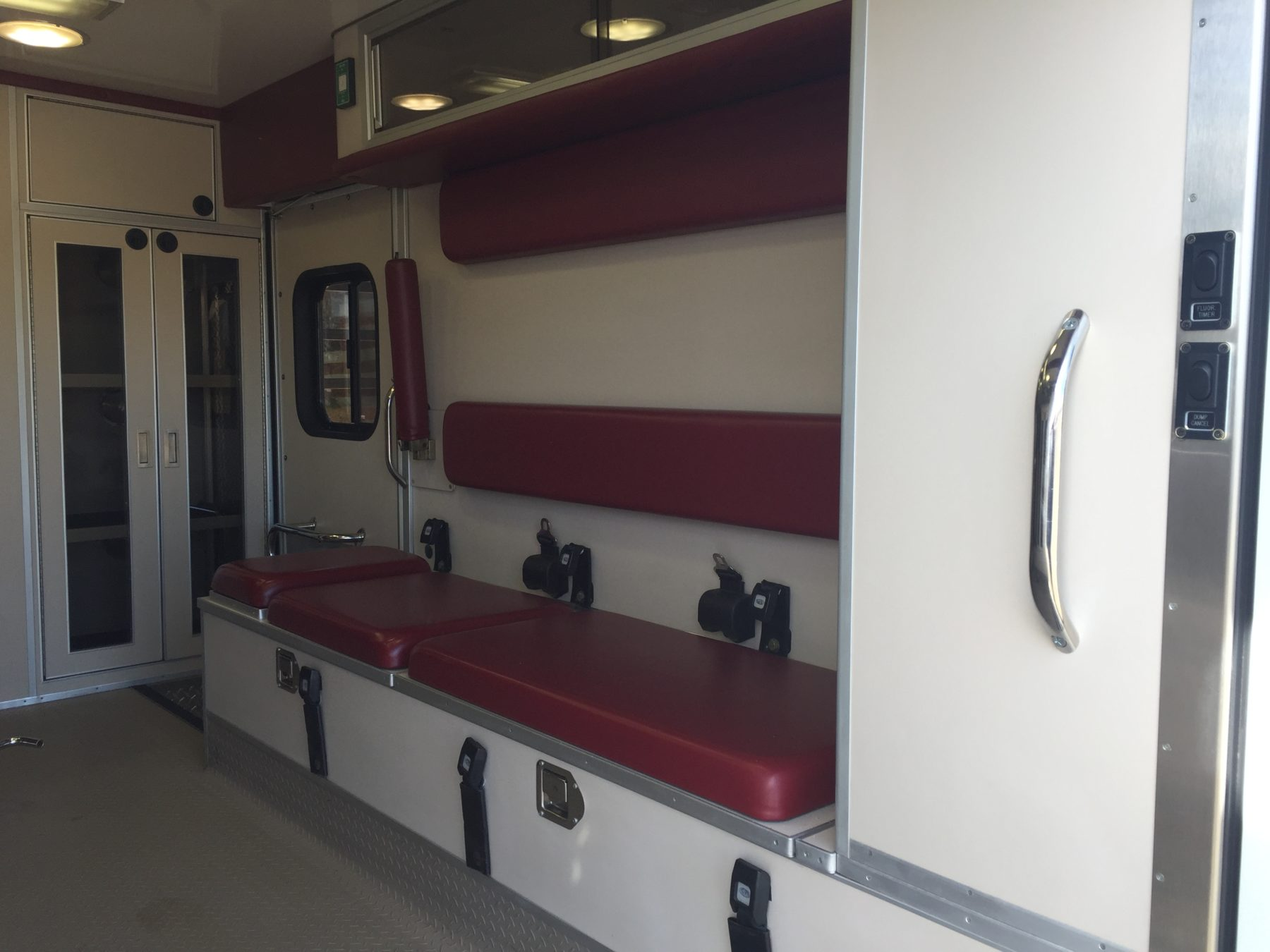 2006 Ford F450 4x4 Heavy Duty Ambulance For Sale – Picture 13