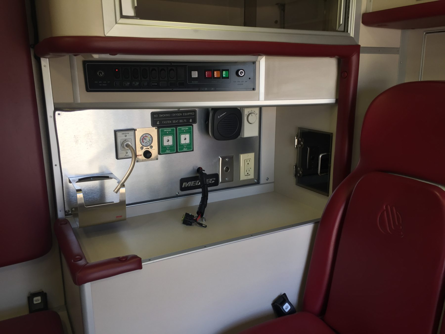 2006 Ford F450 4x4 Heavy Duty Ambulance For Sale – Picture 16