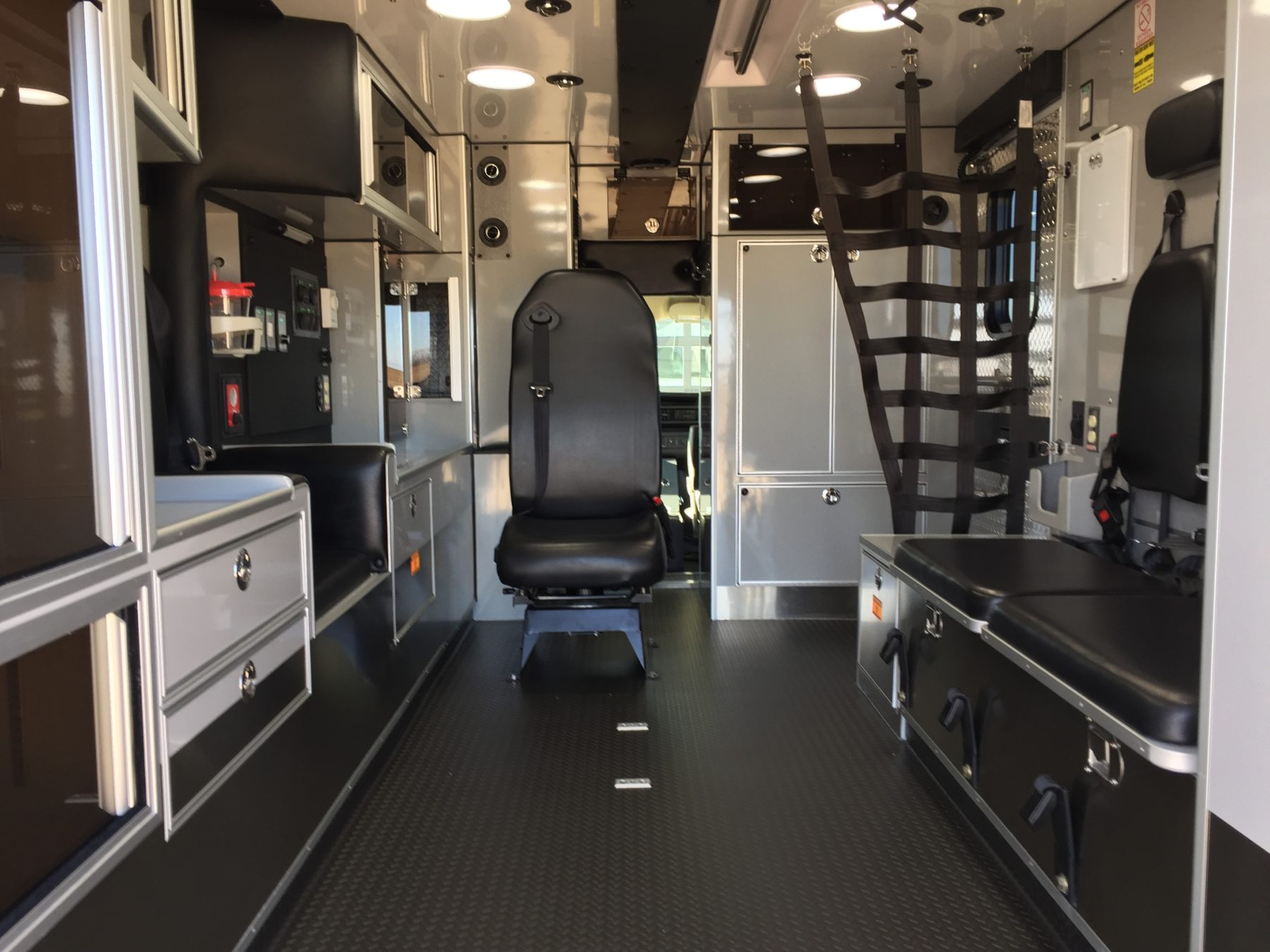 2016 Chevrolet G4500 Type 3 Ambulance For Sale – Picture 2
