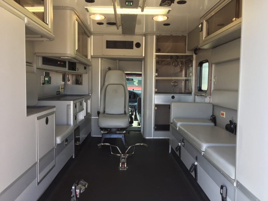 2005 Ford E450 Type 3 Ambulance For Sale – Picture 2
