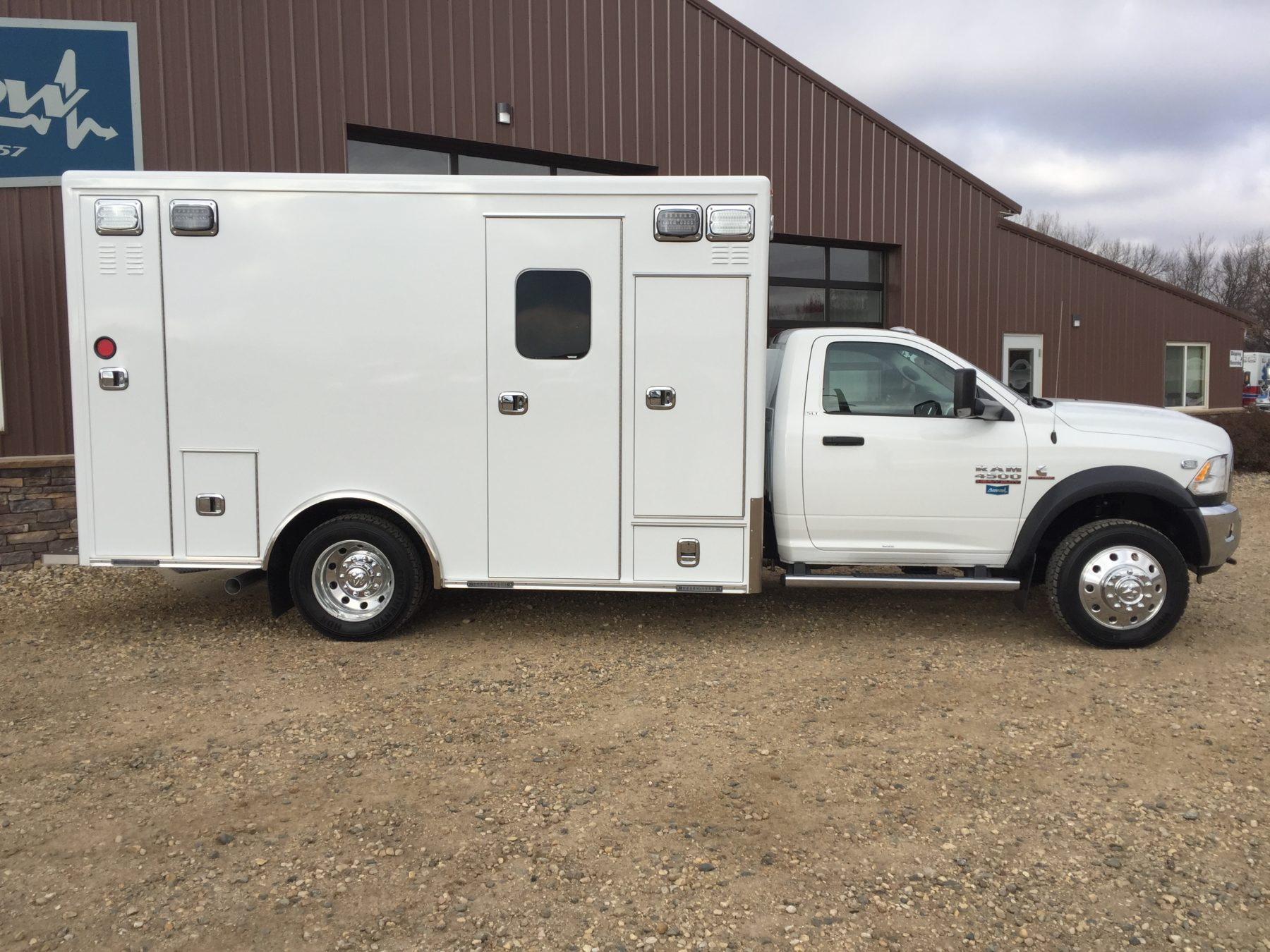 2017 Ram 4500 4x4 Heavy Duty Ambulance For Sale – Picture 4