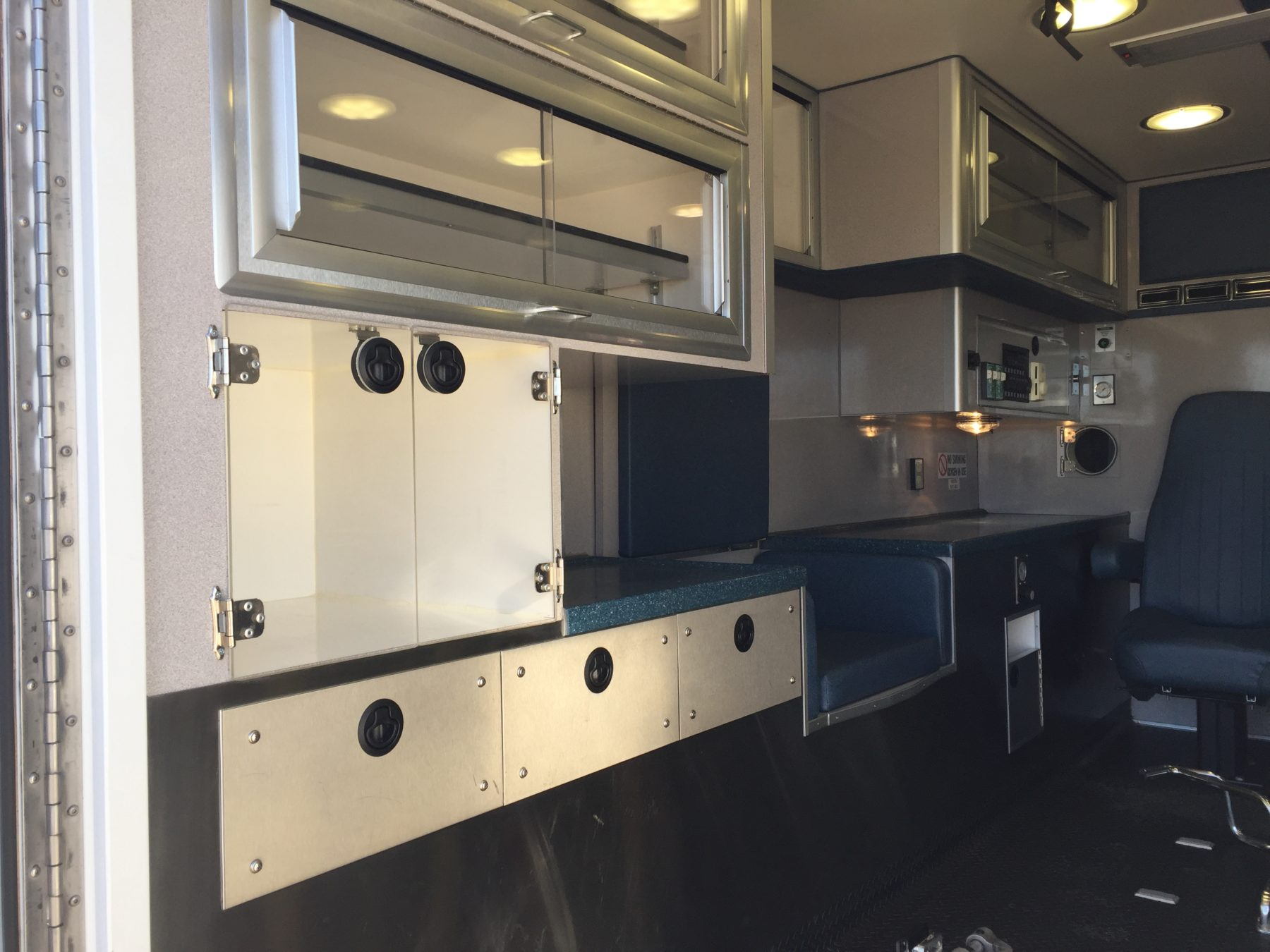2001 Ford E450 Type 3 Ambulance For Sale – Picture 7
