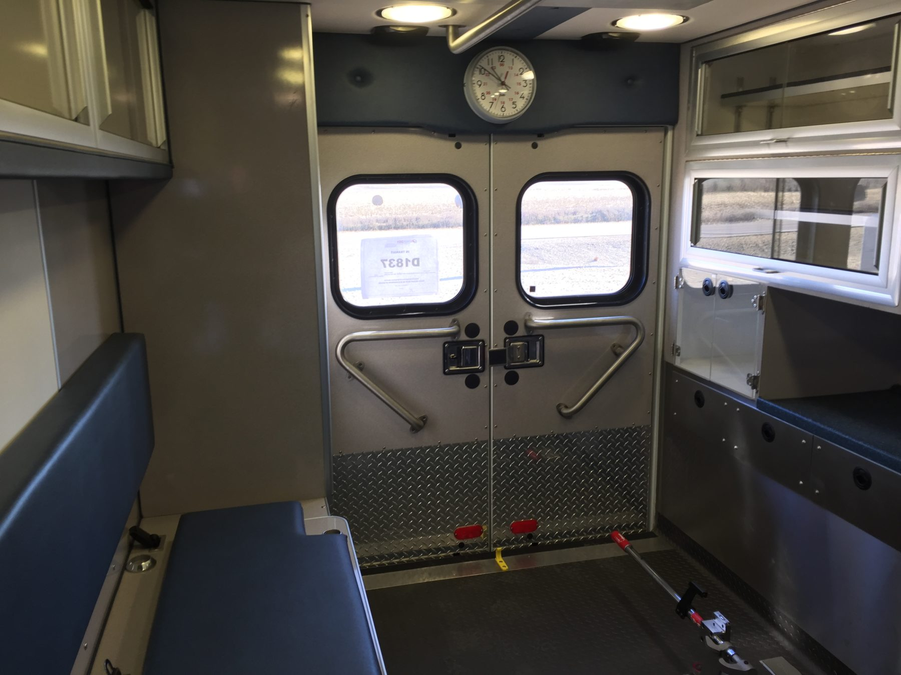 2001 Ford E450 Type 3 Ambulance For Sale – Picture 9