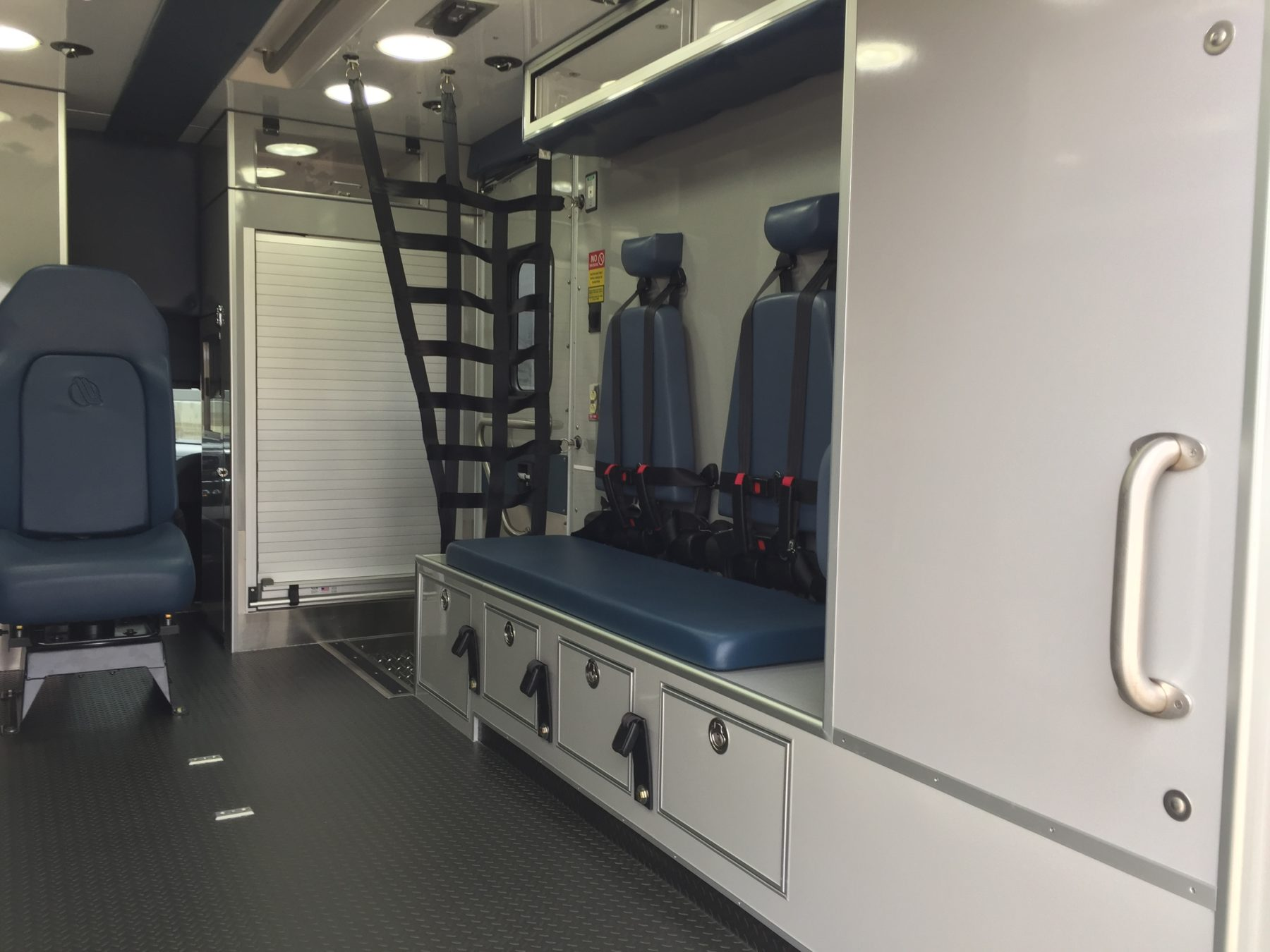 2018 Ram 4500 4x4 Heavy Duty Ambulance For Sale – Picture 13