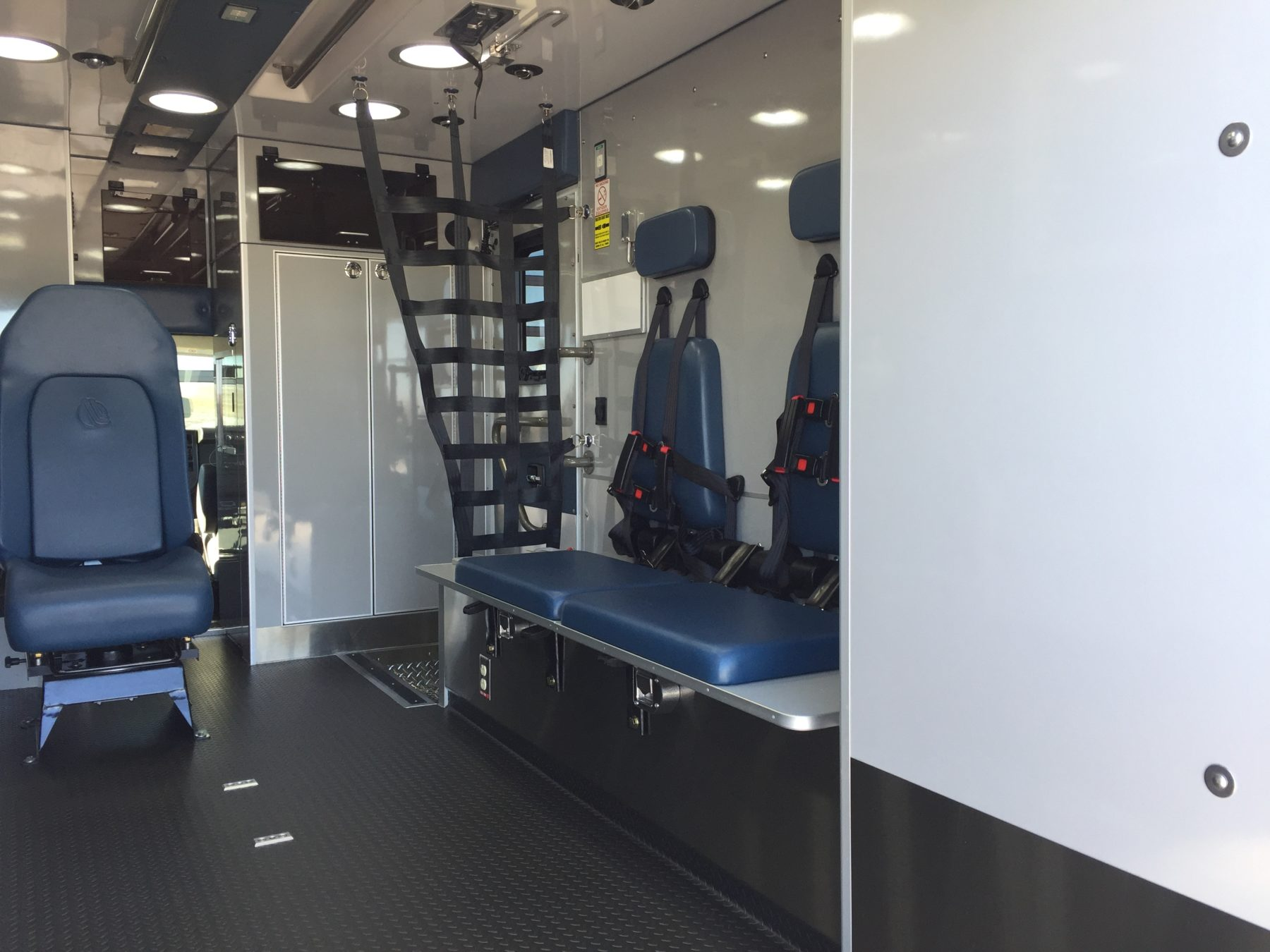 2018 Chevrolet G4500 Type 3 Ambulance For Sale – Picture 12