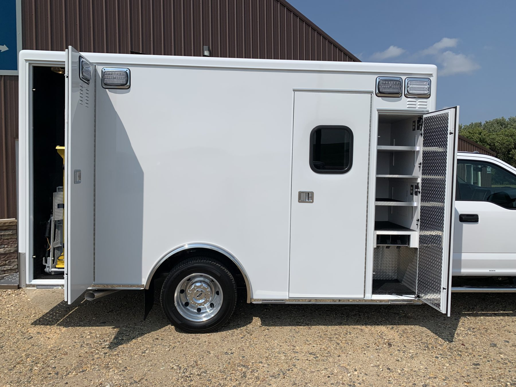 2021 Ford F550 4x4 Heavy Duty Ambulance For Sale – Picture 9