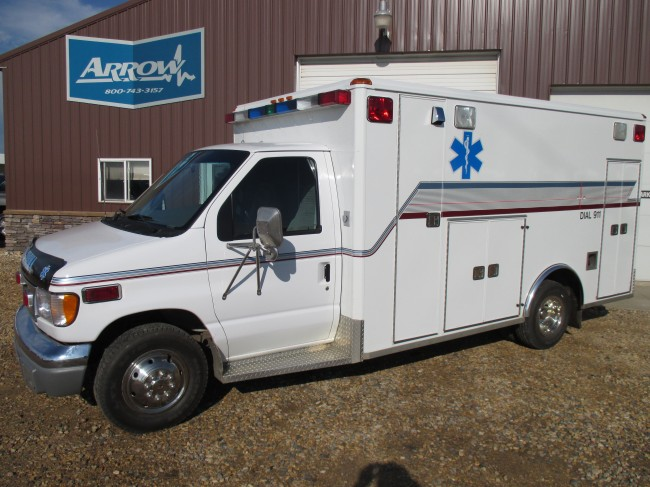 2000 Ford E450 Wheeled Coach Type 3 Ambulance For Sale
